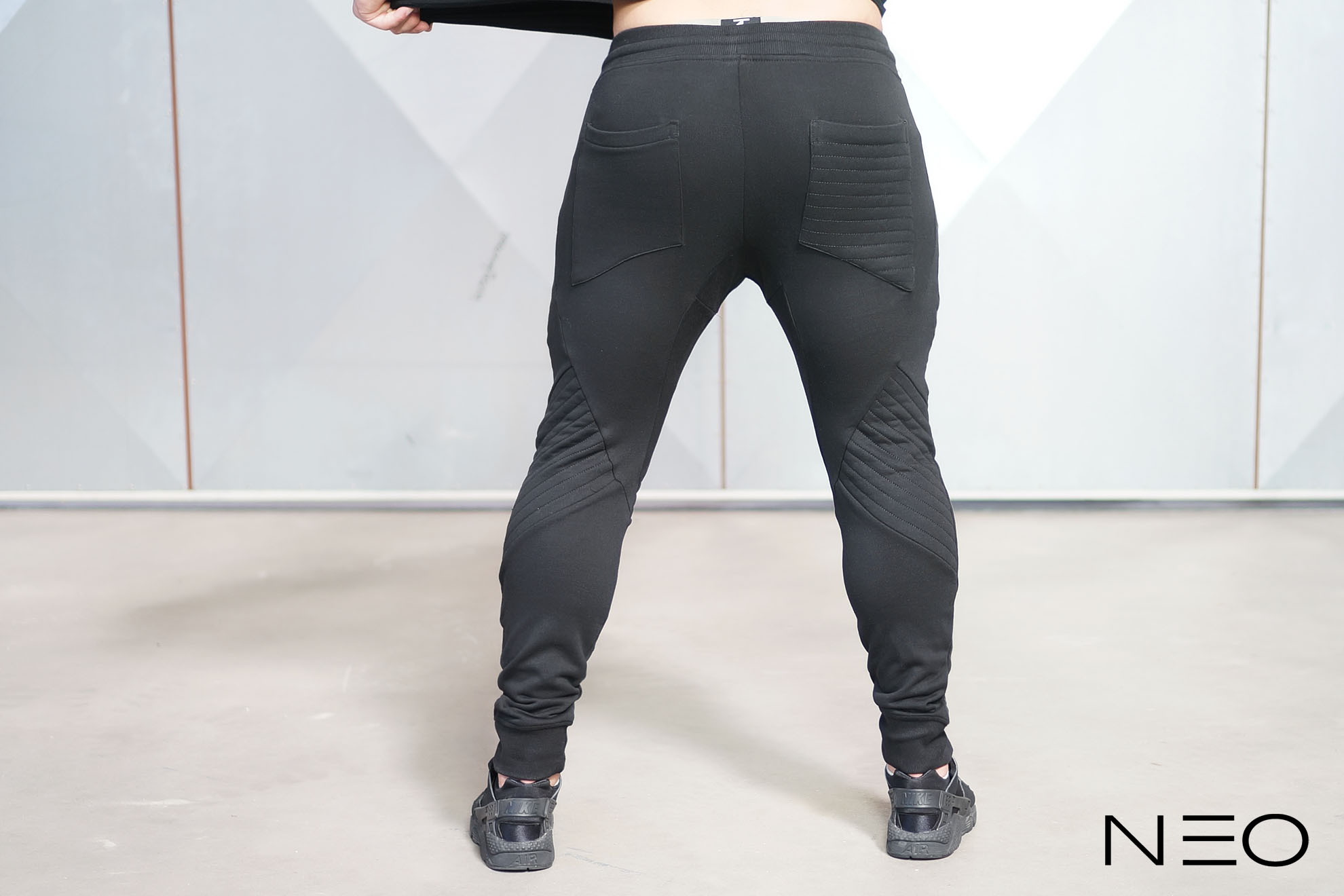 NEO – Joggers BLACK OUT – Body Engineers International SHOP