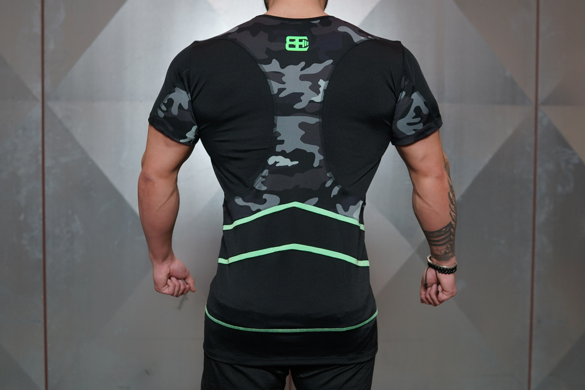 Renzo Performance Shirt - Black & ACID GREEN